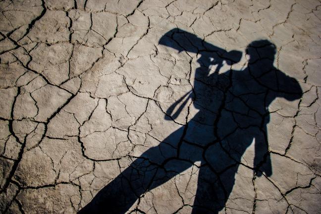 Photographie de Gilles Martin : Au cœur du lit asséché de la Mer d'Aral.